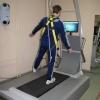 Рис. 40-Б. Занятия на системе «Balance tutor».
